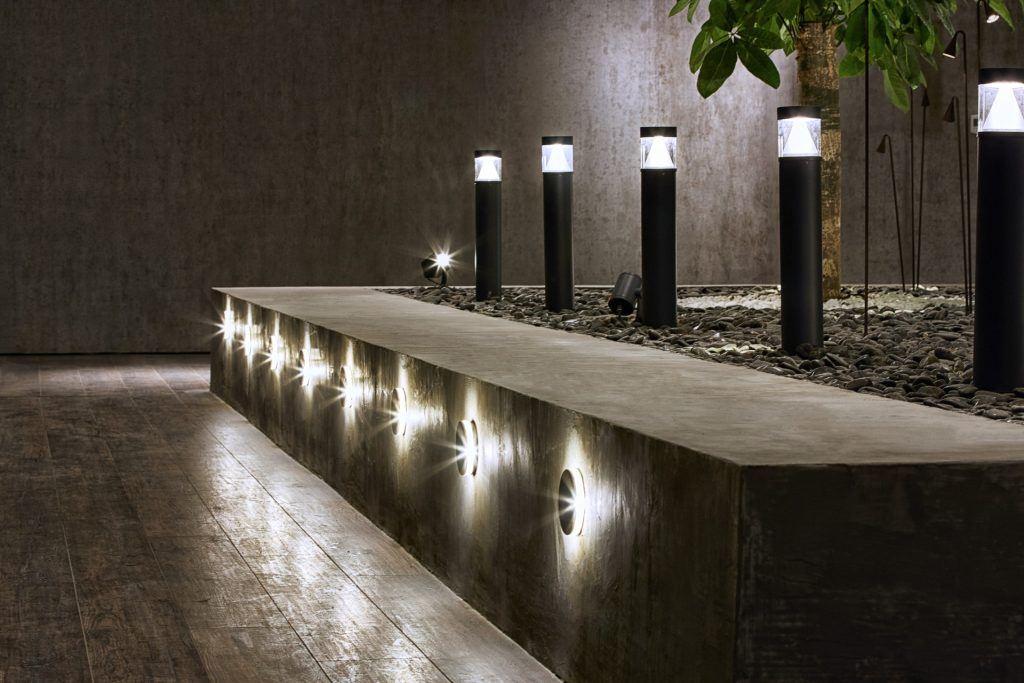 עמודי תאורה מעוצבים לגינה