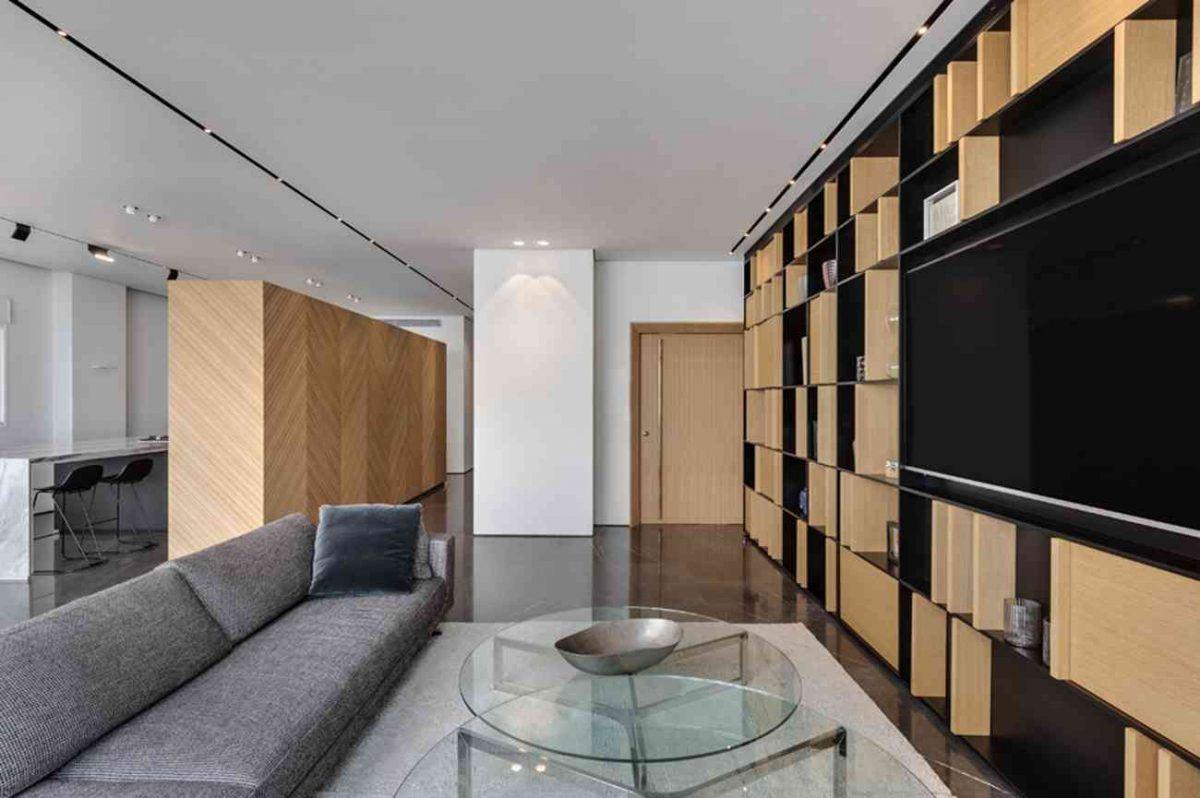 Vista – Netanya גופי תאורה המשתלבים לכניסת הדירה בתכנון קמחי תאורה