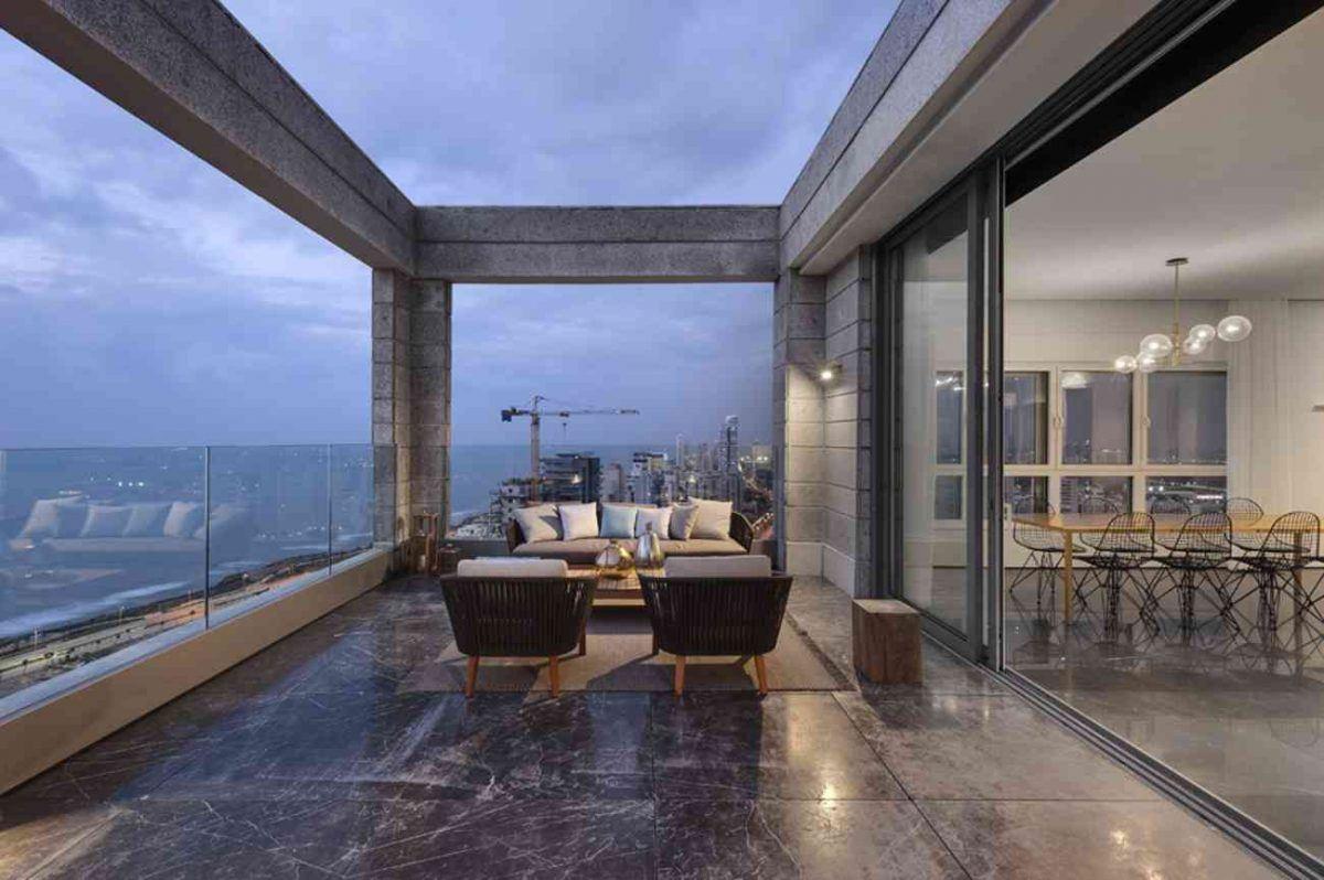 Vista – Netanya פינת המרפסת עם גוף תאורה מיוחד בתכנון קמחי תאורה
