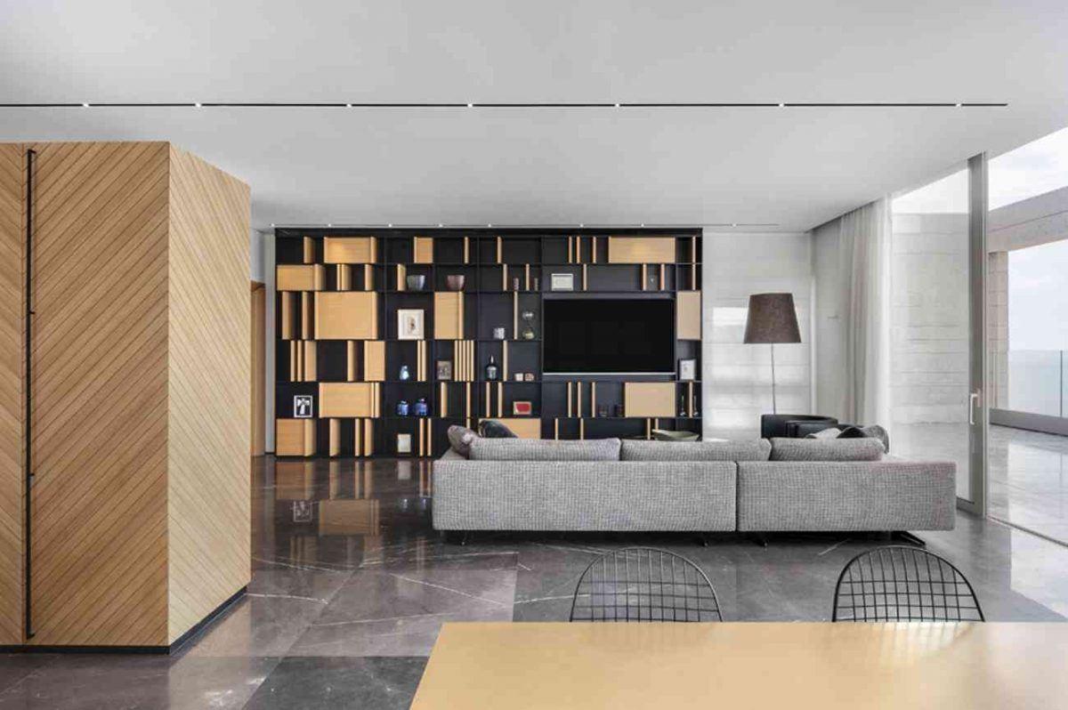 Vista – Netanya תאורת תקרה החוצה את תקרת הסלון נעשה על ידי קמחי תאורה