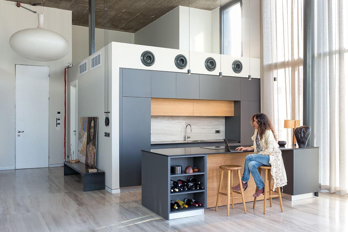Florentine Project גופי תאורה מיוחדים המאירים את מרחב המטבח בתכנון קמחי דורי