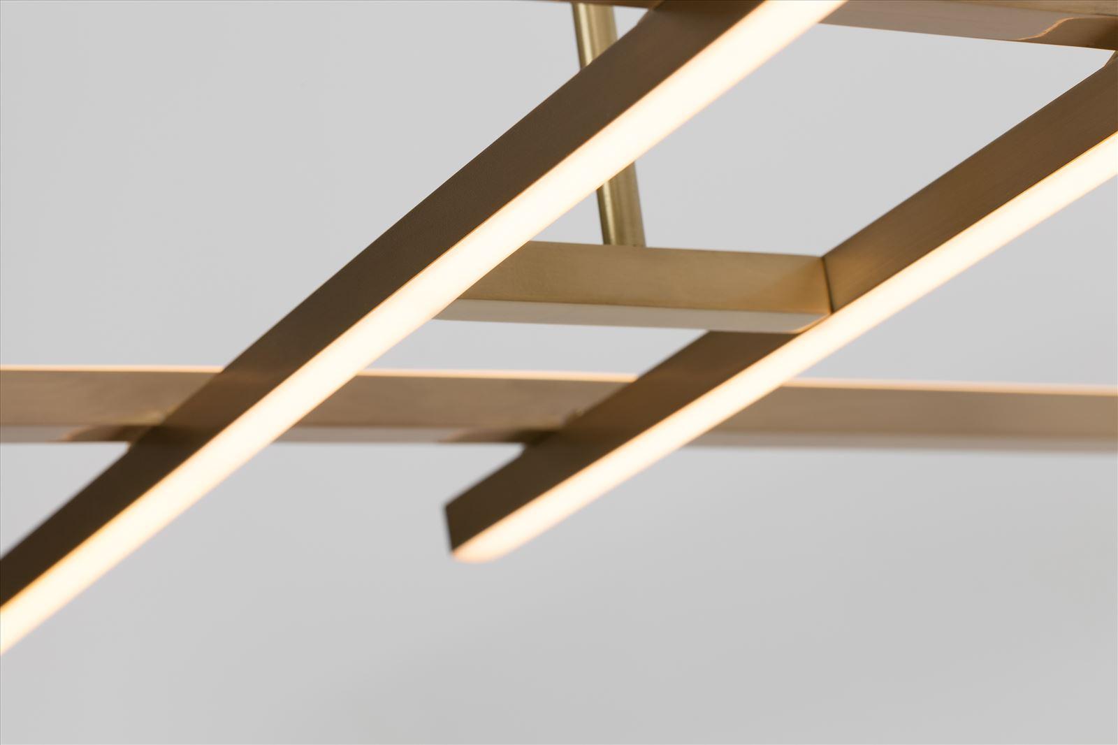 גופי תאורה בייצור מיוחד -
