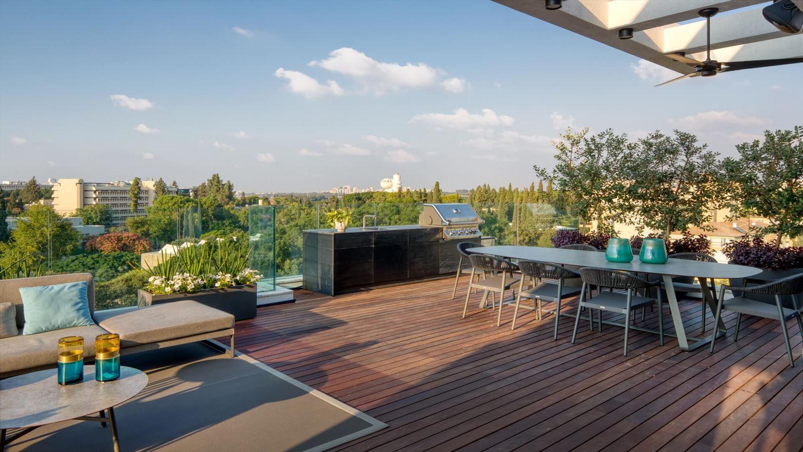 Penthouse Carmelit - עיצוב תאורת המרפסת על ידי קמחי דורי