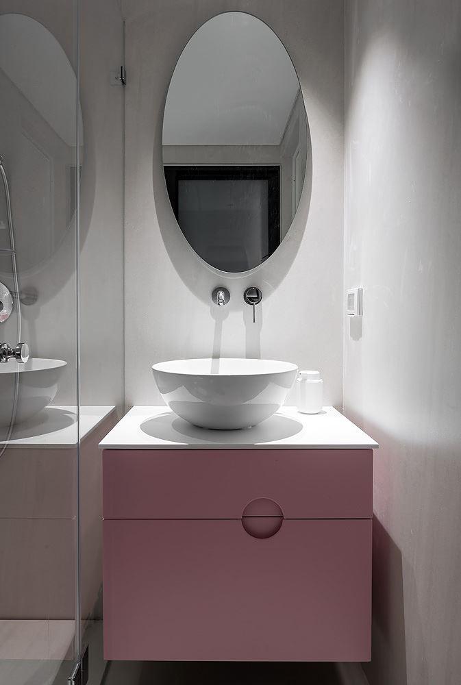 Private house in the center תאורה בשירותים בבית פרטי
