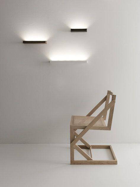 מנורות קיר Uplight