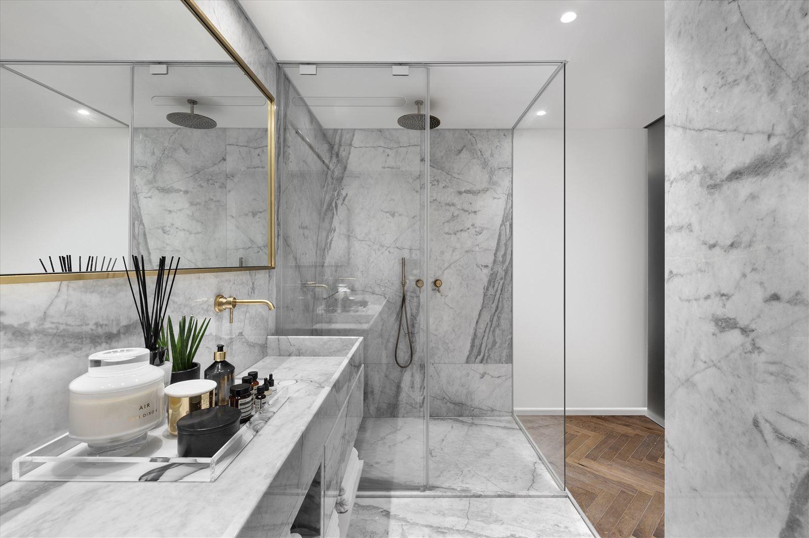 Duplex lighting - תאורה באמבטיה על ידי דורי קמחי