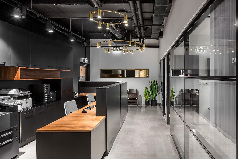 Adi Naor's offices תאורה מרשימה במשרד מבית קמחי תאורה אדריכלית