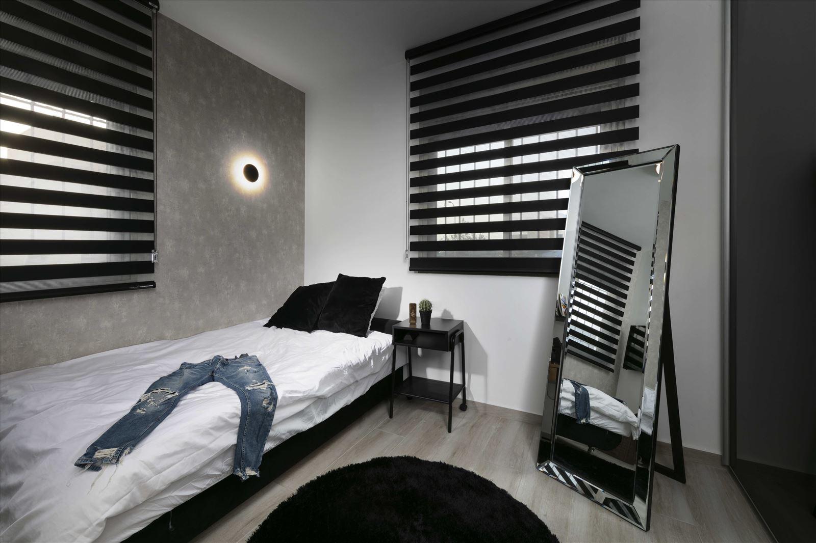 Lighting project private house גופי התאורה בחדר הותקנו על ידי דורי קמחי תאורה אדריכלית