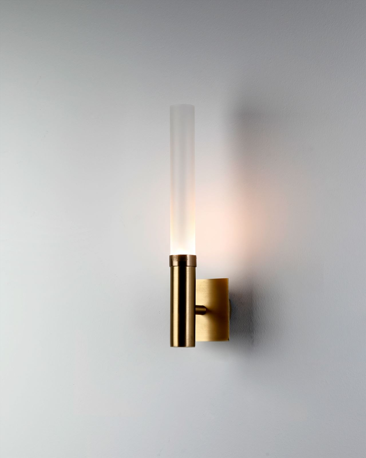 גופי תאורה בקטגוריית: מנורות קיר  ,שם המוצר: LIGHTSABER