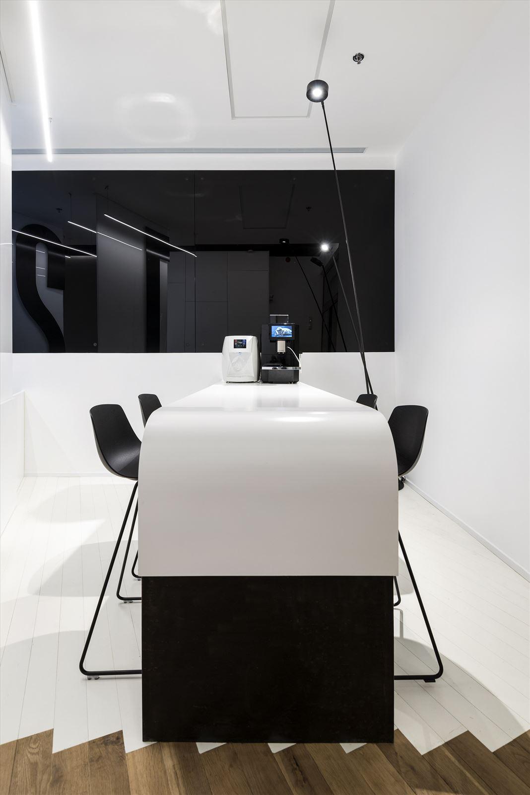 Office lighting project תאורה אדריכלית על ידי קמחי תאורה