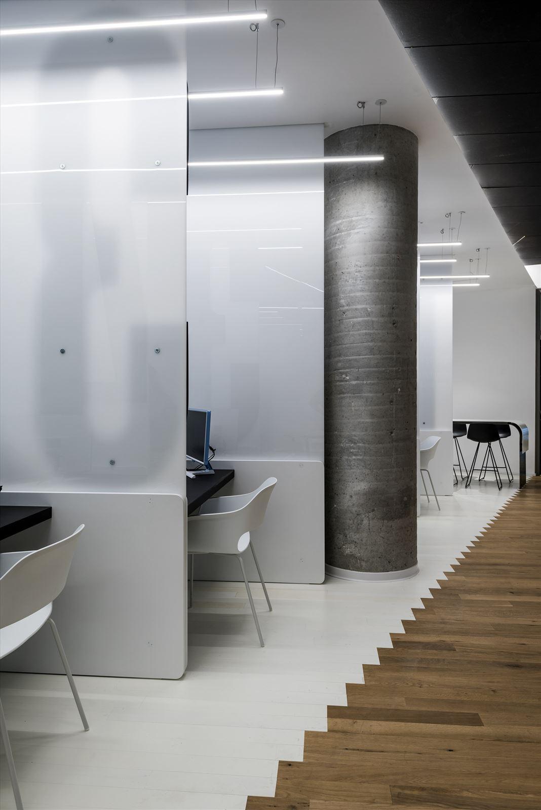 Office lighting project תאורה בכל עמדות העבודה במשרד - דורי קמחי