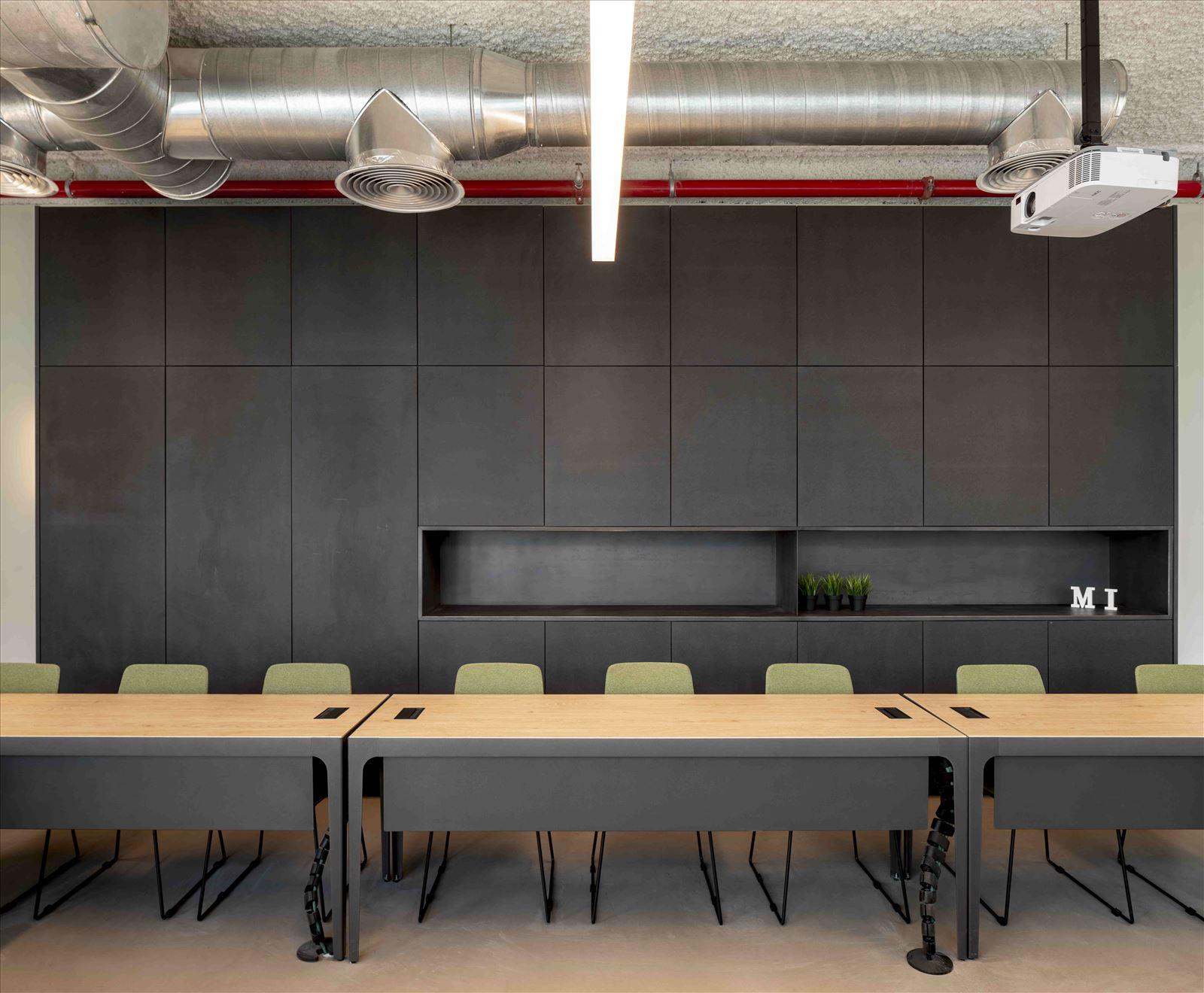 Office project גופי תאורה מרשימים מבית קמחי תאורה