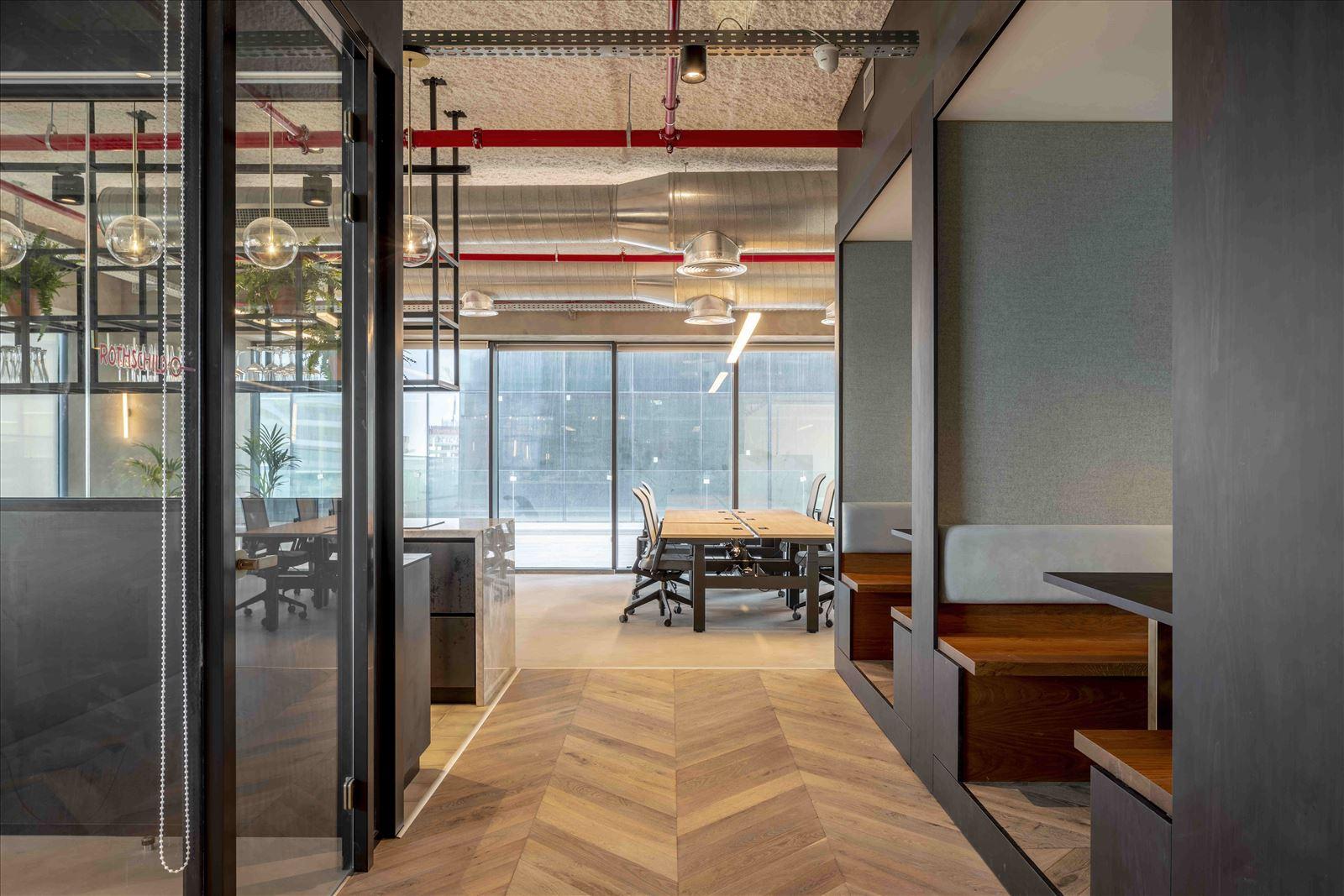 Office project התאורה בחלל המשרד נעשתה על ידי קמחי תאורה