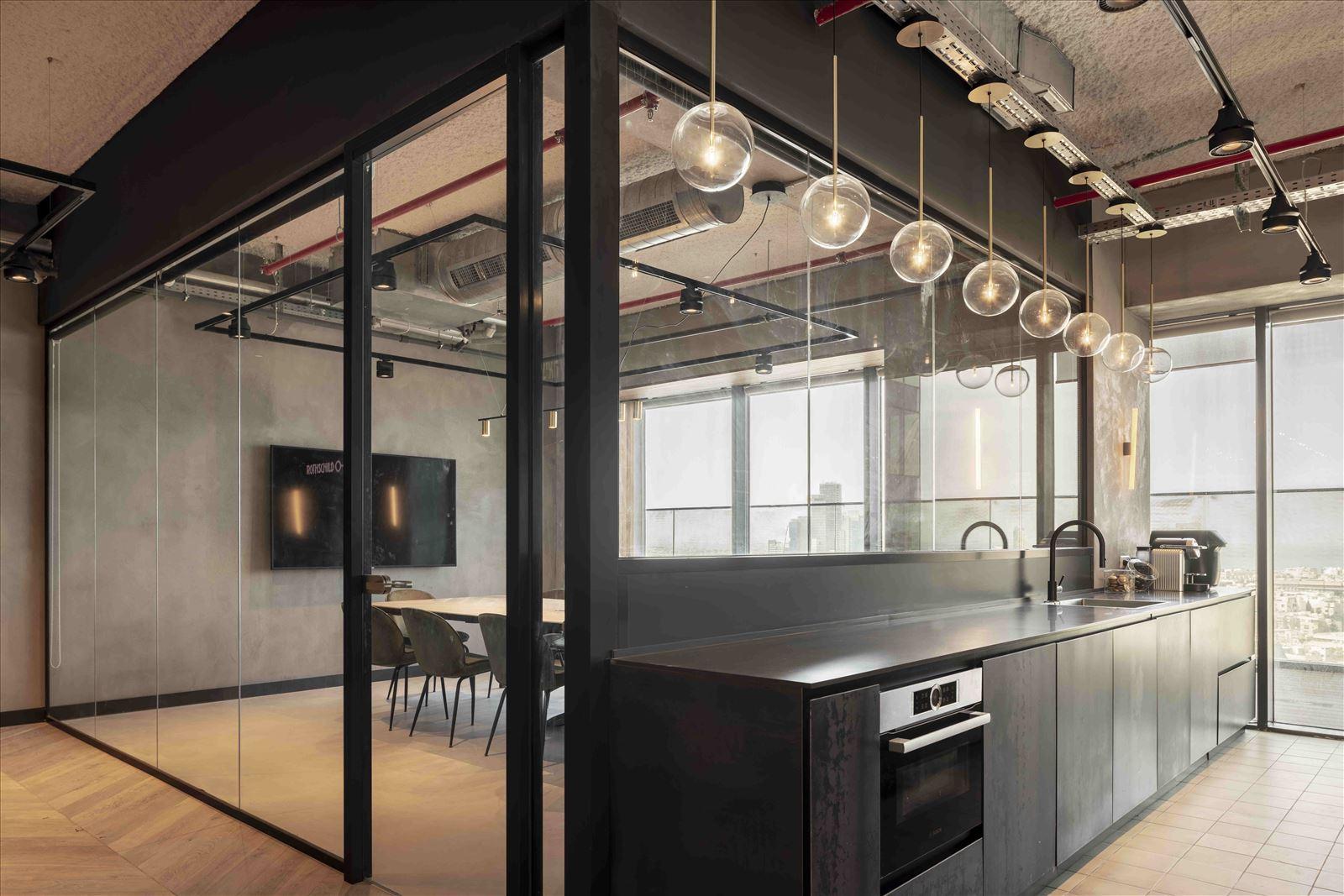 Office project תאורת המטבח במשרדים נעשתה על ידי קמחי תאורה