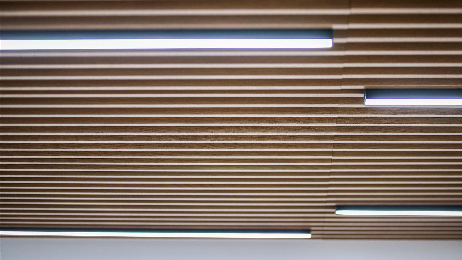 Pie Technology Office - תאורת תקרה על ידי קמחי תאורה