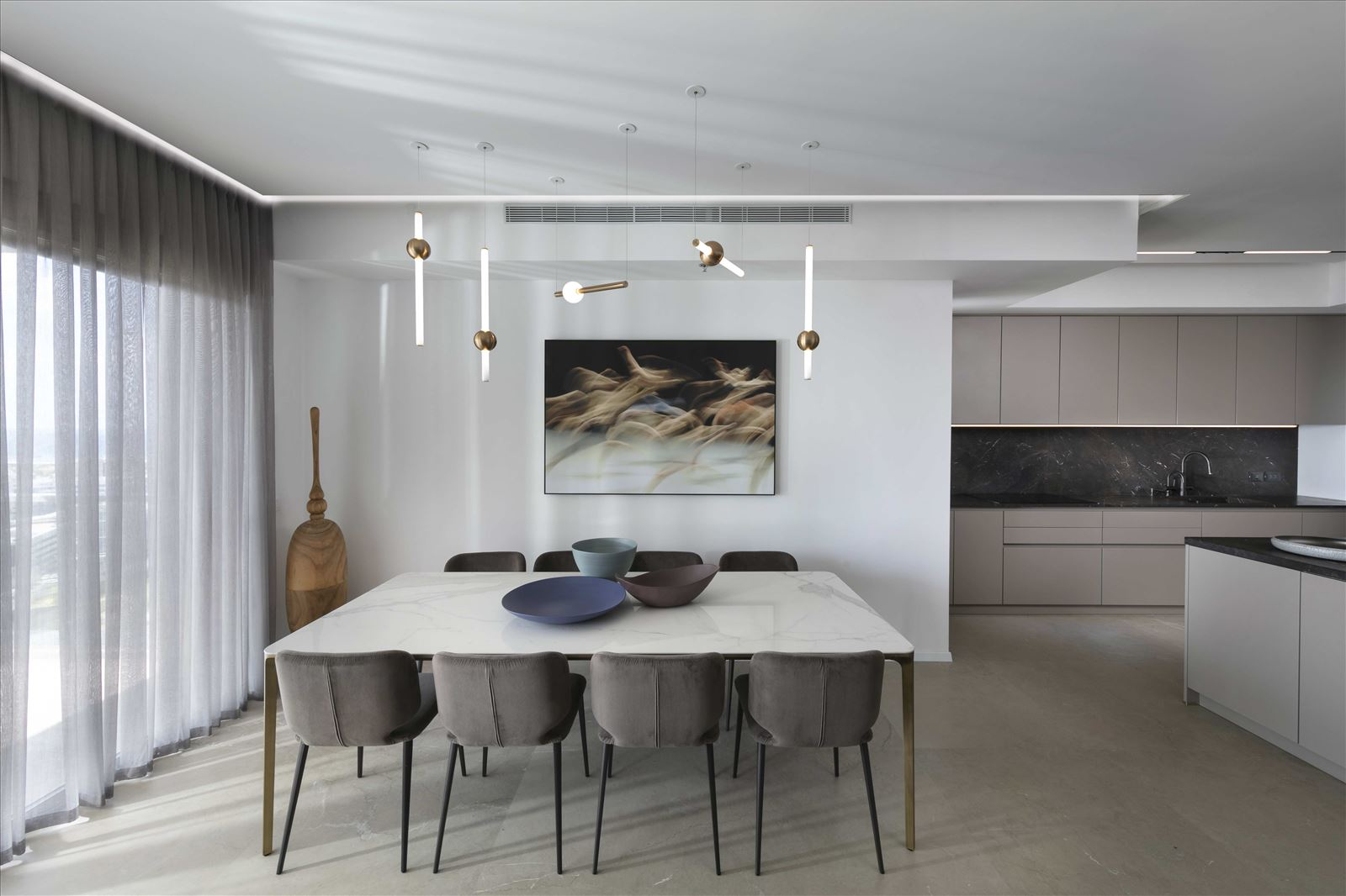 Private home - Herzliya תאורה בפינת אוכל על ידי קמחי תאורה