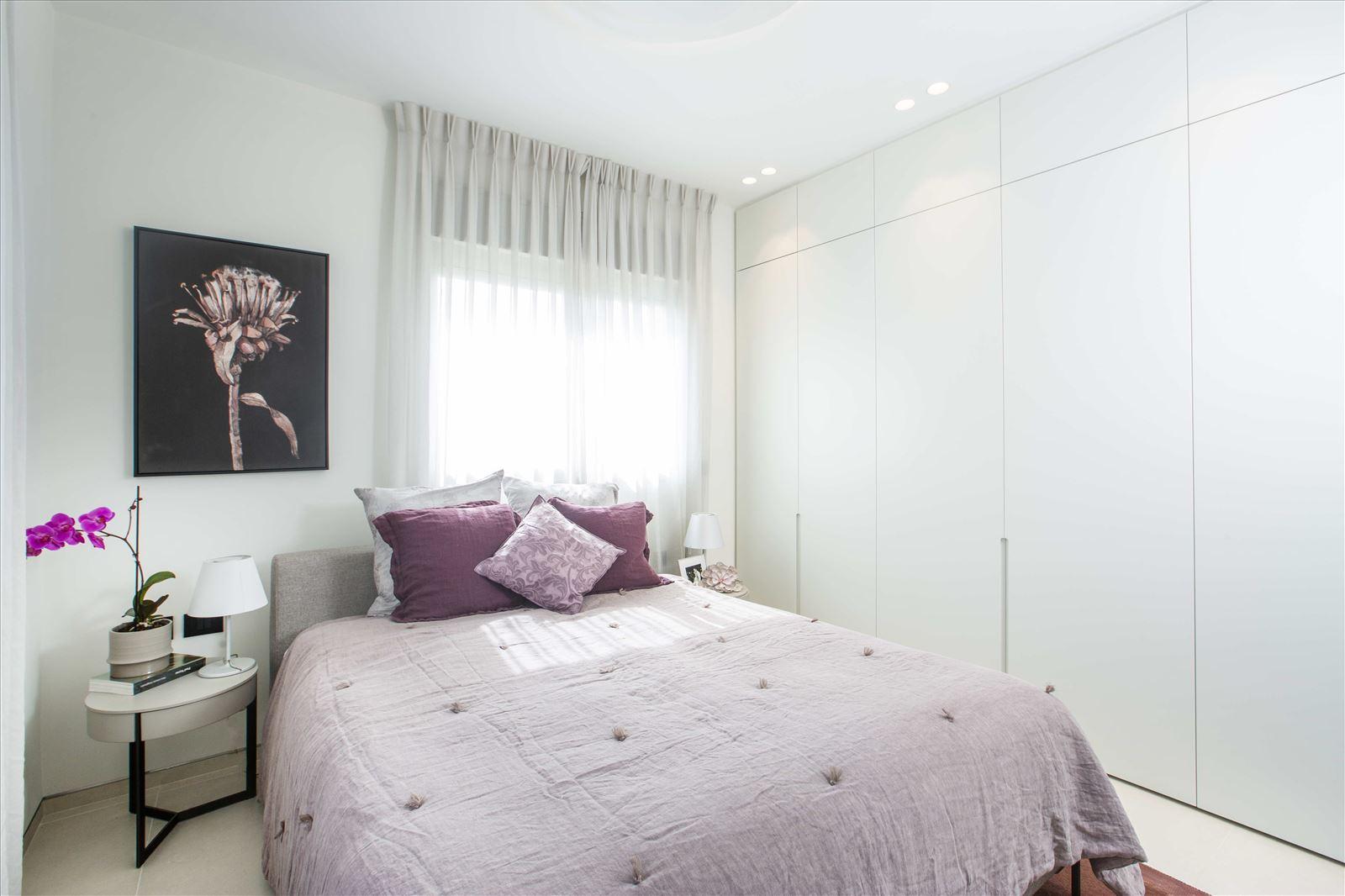 Tel Aviv apartment in Parisian aroma קמחי דורי - תאורה בחדר שינה