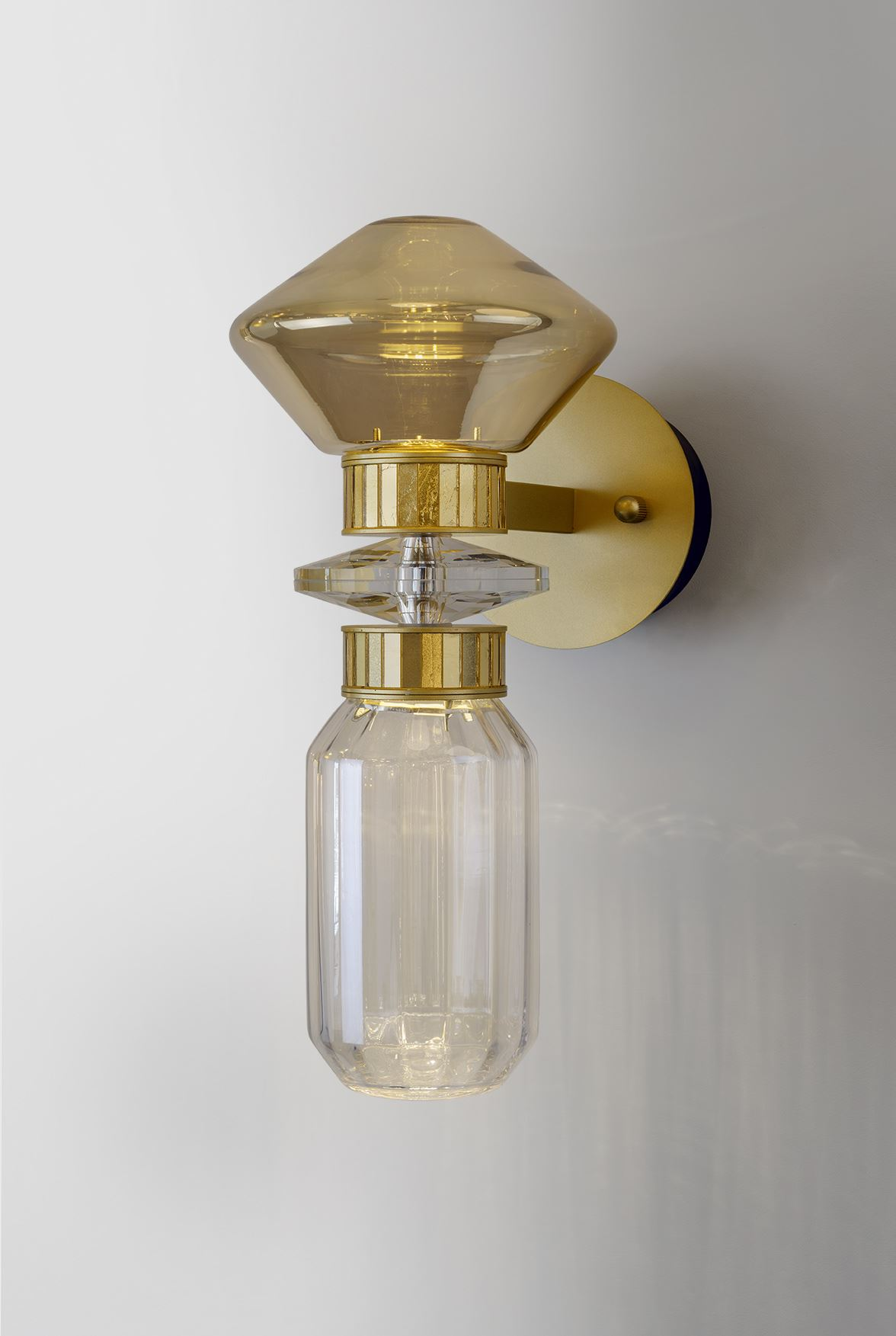 גופי תאורה בקטגוריית: מנורות קיר  ,שם המוצר: טירנה