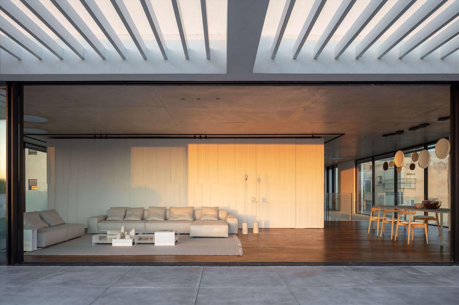 פרויקט תאורה בסלון מבית קמחי תאורה