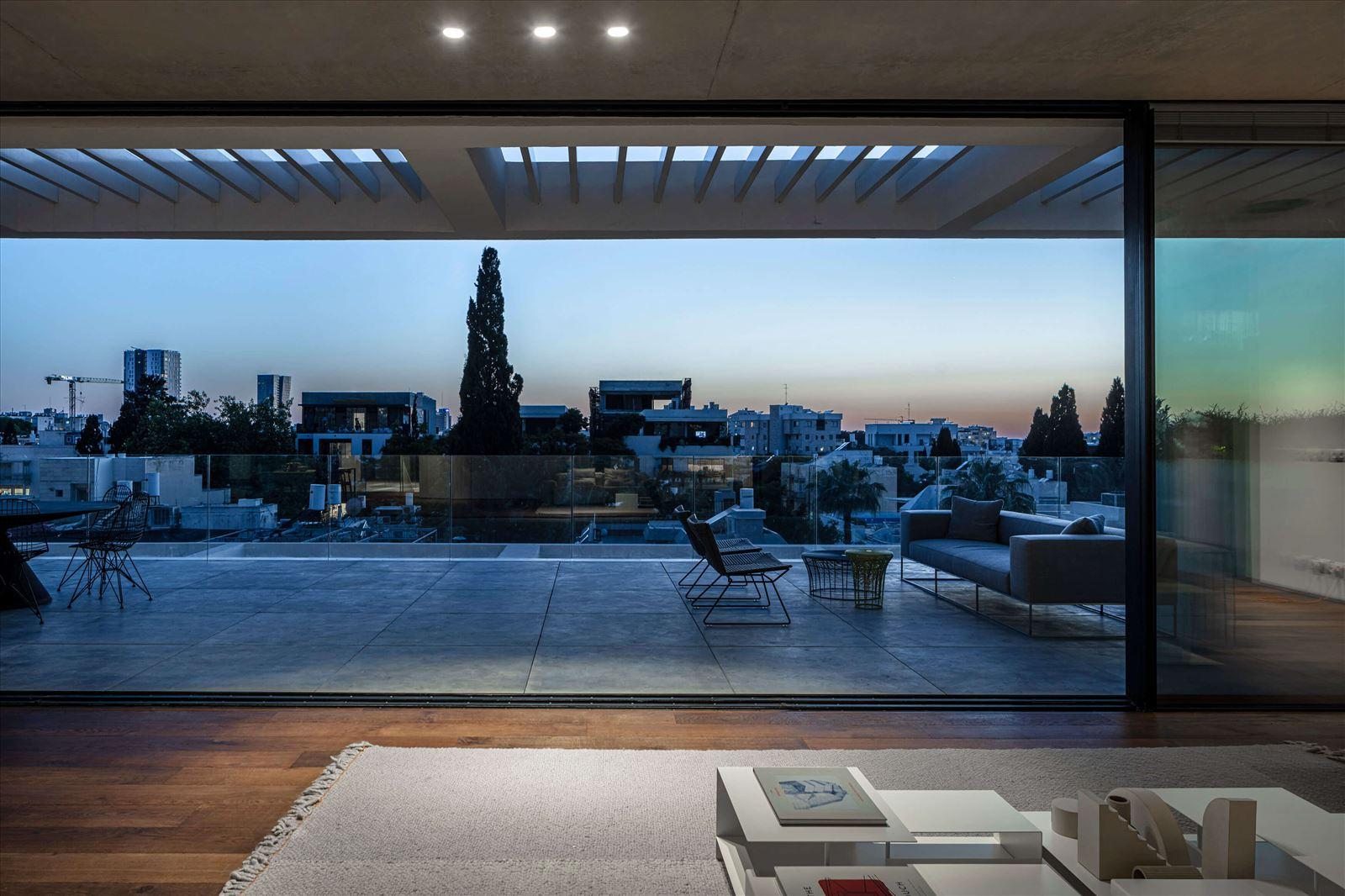 פרויקט תאורה - Penthouse In Tel Aviv