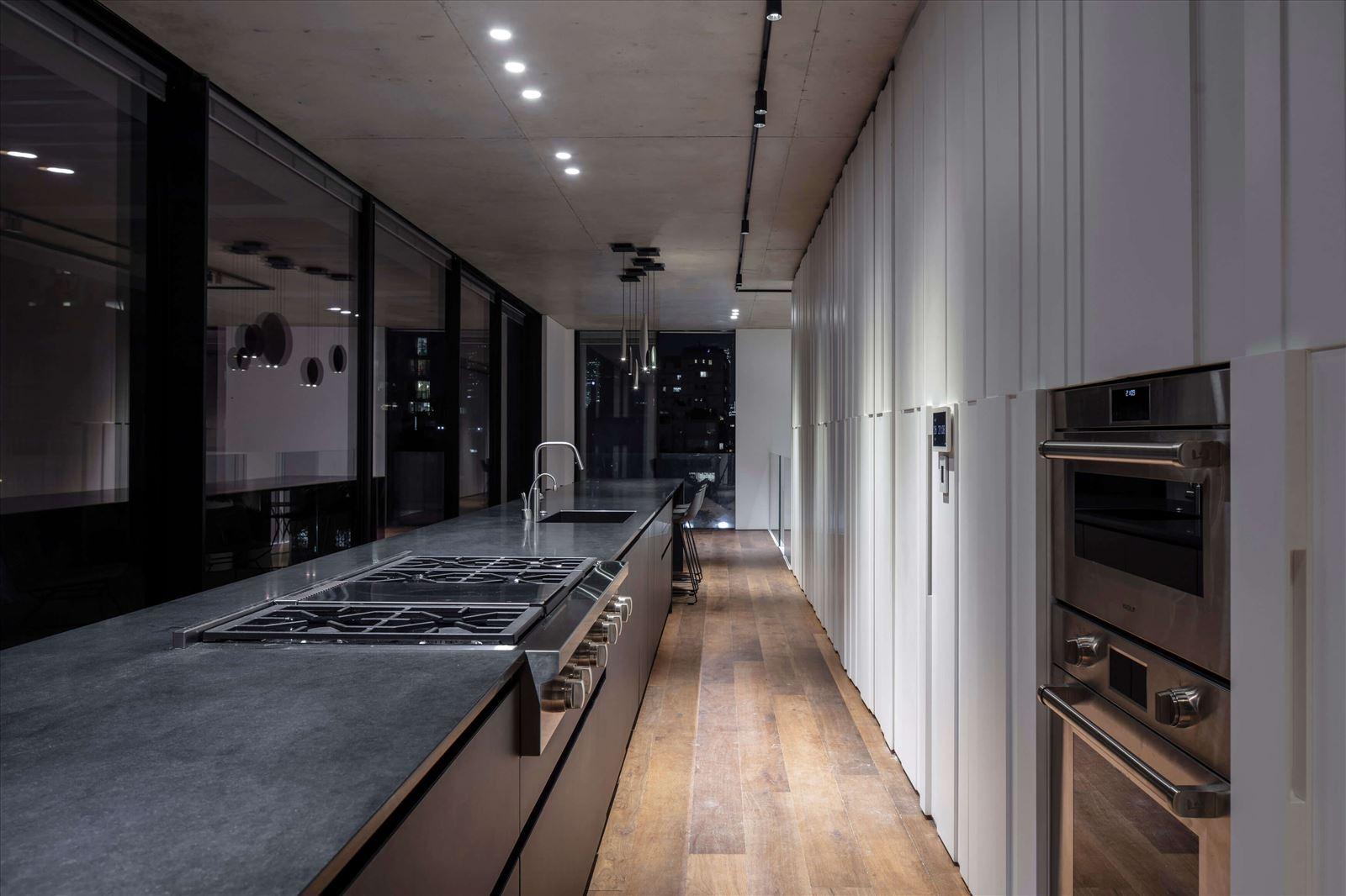 תאורת תקנה במטבח מבית קמחי תאורה