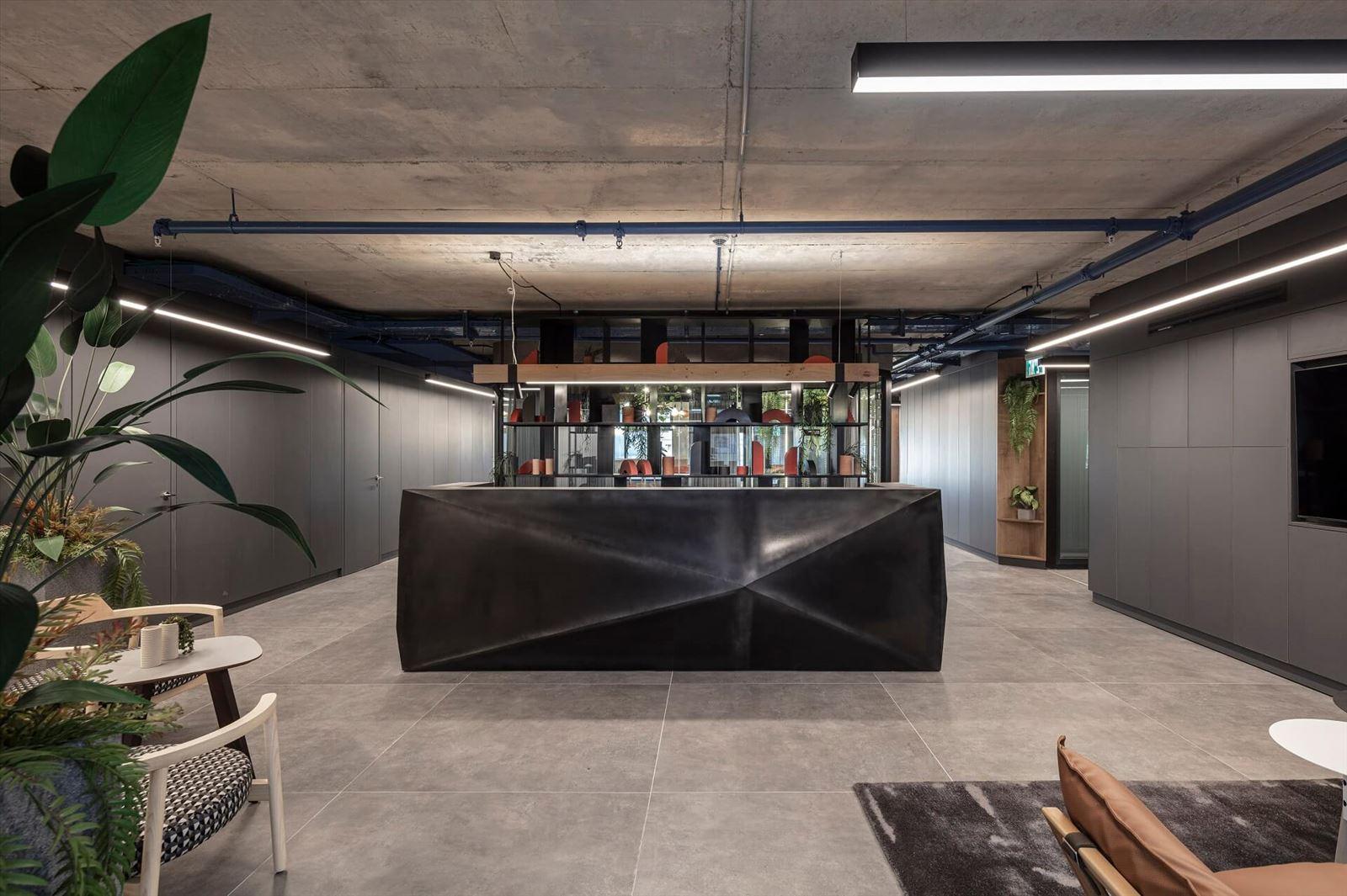 פרויקט תאורה במשרדי מזרחי ובניו מבית קמחי תאורה