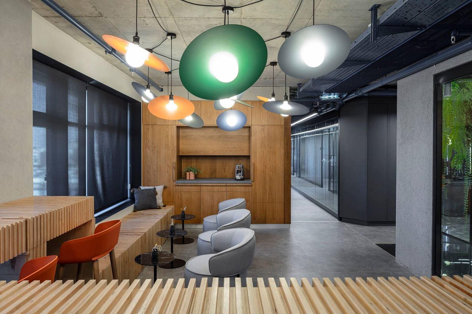 פרויקט תאורה תלויה מבית קמחי תאורה