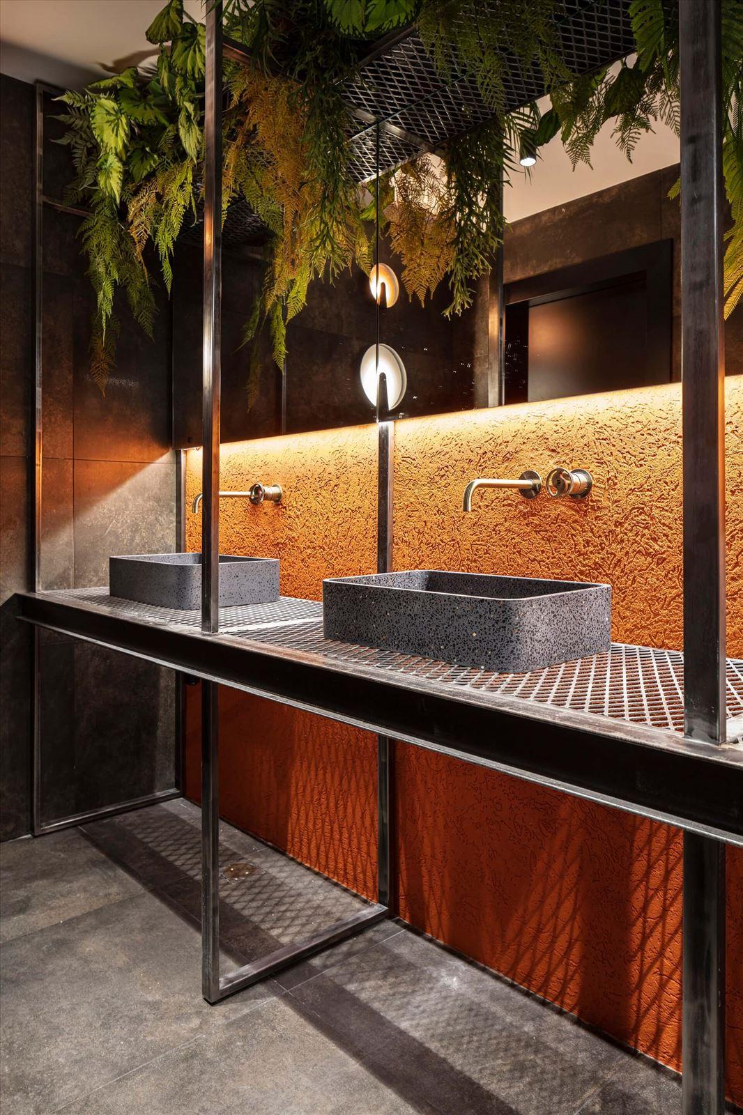 גופי תאורה בשירותים מבית קמחי תאורה