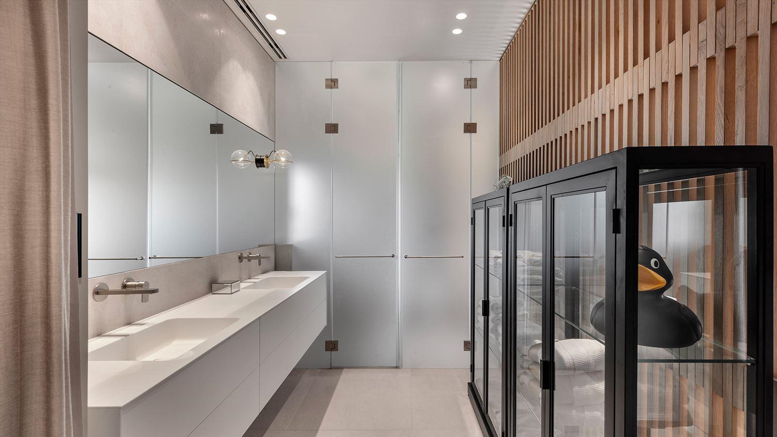 בוחרים גופי תאורה לאמבטיה - על מה חשוב שתקפידו?